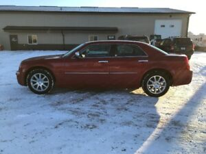 2010 Chrysler 300 LIMITED! LEATHER! CLEAN CARPROOF!