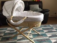 Winnie the Pooh Moses basket and stand
