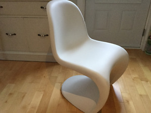CHAISE CLASSIQUE VINTAGE, MADE IN ITALY !