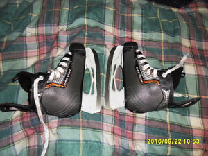 Eastons hockey skates. Peterborough Peterborough Area image 1