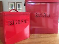 Matching Welsh bread and biscuit tin
