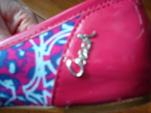 Size 7 Coach flats NEVER WORN London Ontario image 8