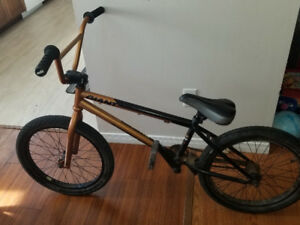 Giant method 01 bmx bike