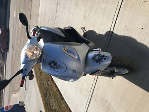 Piaggio fly 150 scooter