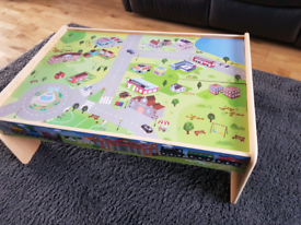 Kids Toy Cars / Train Table £10