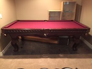 Like new pool table - excellent condition
