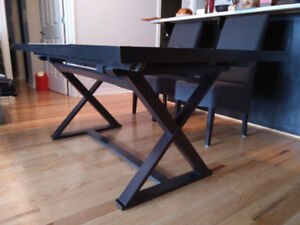 Table de salle a manger/dining table 300$