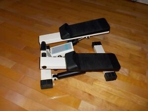Small stepper for exercise
