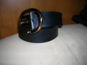Gucci Black Leather Belt and Buckle Made In Italy Rare Mens