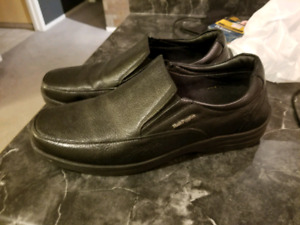 HUSH PUPPIES DRESS SHOES