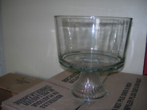 Glass container, round, diameter: 21cm, for $10.