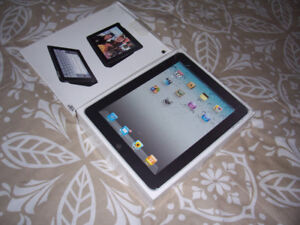 32 Gig Ipad, Model A1337 with Case