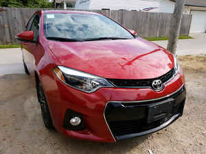 Private. 2015 Toyota Corolla S.  Low KM. Rebuilt