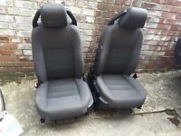 Land Rover discovery front seats 2005 model £200 the pair