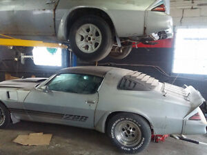 Z28 Projects (1 has to leave) firebird, formula, trans am
