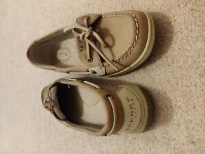 Sperry - size 7 womens