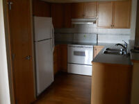 2 BDRM 2 BATH in Airdrie **Rental Incentive $500 off 1st Month *