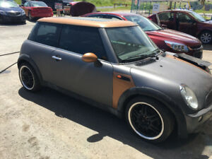 2006 MINI Mini Cooper Base Coupe (2 door)