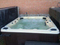 Hot Tub, Excellent Condition, Seats 8