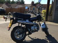 Honda Dax Skyteam ST50 road legal monkey pit bike folding shineray