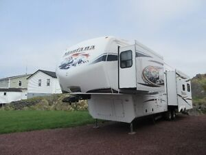 2011 38 ft Montana Fifth Wheel
