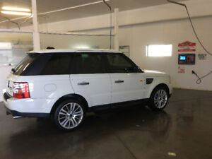 2007 RANGE ROVER sport supercharged. Gorgeous. In Ottawa On.