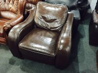 Free delivery 🎅 brown leather armchair