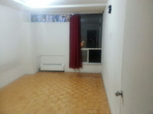 **DON MILLS / EGLINTON** Spacious Bedroom available IMMEDIATE