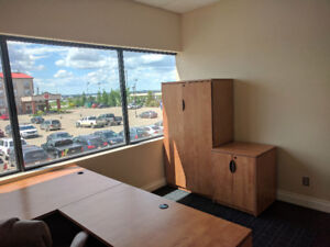 Office in Sherwood Park, Available immediately - Free Rent !
