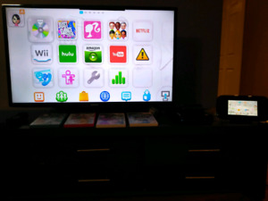 Wii U with 6 games included and a remote