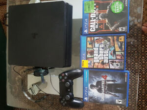 PS4 500GB With headset 1 Controller And 3 CD Games