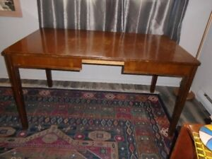 RESTORATION QUALITY SOLID WOOD RETRO 40'S DINING ROOM TABLE