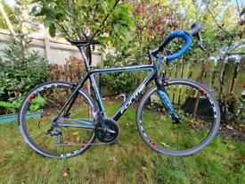 Forme Full Carbon Fibre Road Bike 105 gearset not boardman scott giant