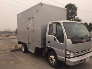 2007 GMC W4500 Savana Box Truck