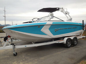 2016 Nautique Super Air G23 - LOADED PCM H5 DI & only 30 hours!