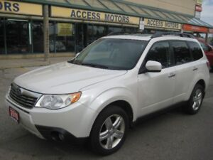 2010 Subaru Forester, LIMITED !! Navigation !! Leather !! Sunroo
