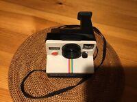 Polaroid Land Camera 1000 - very good condition.