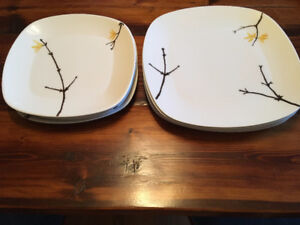 """Full set of Wedgwood """"The Painted Garden"""" dishes"""