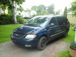 2003 Chrysler Town & Country Limitée Fourgonnette, fourgon
