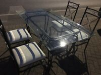 Dining table and 4 chairs / Free delivery