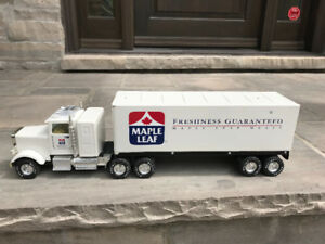 VINTAGE NYLINT MAPLE LEAF MEATS TRACTOR TRAILER