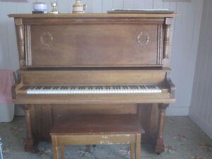 piano droit Stuart, Sts-Anges