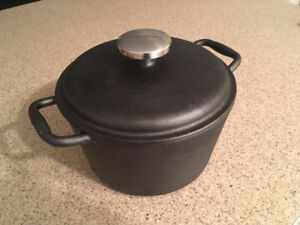 Lagostina Pre-Seasoned Cast Iron Casserole