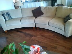 MUST BE SOLD - No room in new house - LIKE NEW SECTIONAL