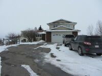Beautiful Acreage House in Cochrane for Rent from April