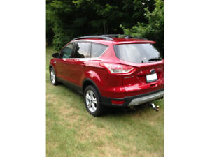 2013 Ford Escape S.E. 2.0L with automatic starter, tow package