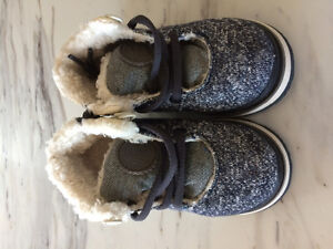 Boys' baby shoes size 5