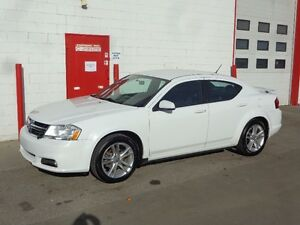 2011 Dodge Avenger SXT ~ Heated seats ~ 105,000kms ~ $8999