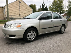 Toyota Corolla 2004 Avec 149000KM AC Excellent condition