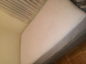 Sleep country double mattress and boxspring Downtown-West End Greater Vancouver Area image 1
